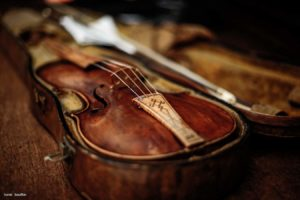 Galerie_Les_4_Saisons_2014_07-violon-gilbert