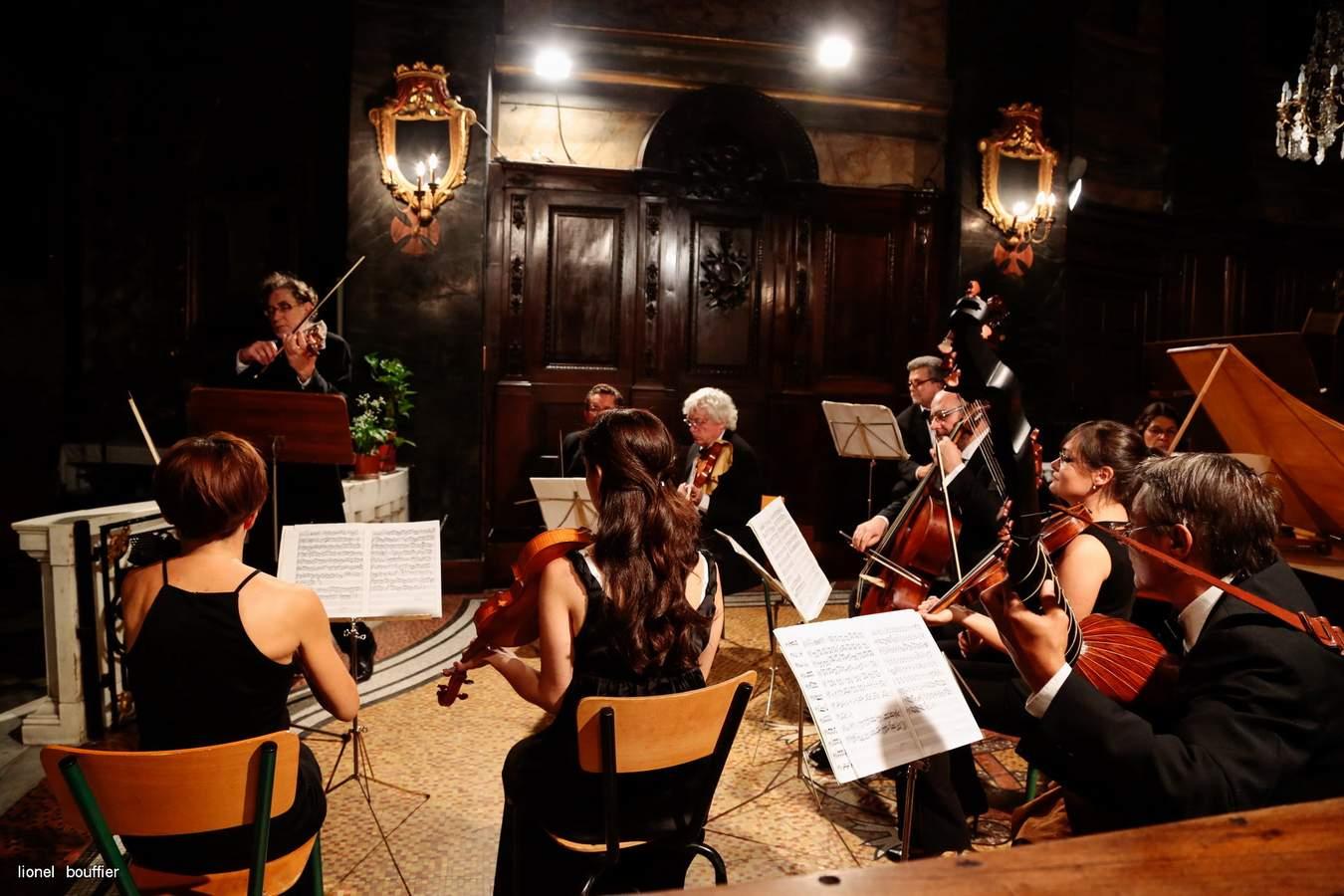 Les concertos grossos italiens enchantent la soirée estivale d'Ilonse